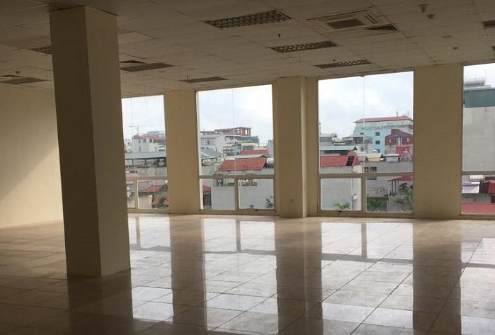 01/06/2020 tòa nhà Hà thành Plaza có 2190m2 diện tích trống cho thuê ở tầng 2.